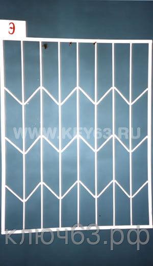 Стальные решетки Э изготовлены из металлического прутка диаметр 12 мм (возможно изготовление решетки из прутков диаметром 10 мм, 14 мм, 16 мм, 18 мм, или квадрата 10х10 мм, 12х12 мм, 14х14 мм, 16х16 мм. На образце сверху объем отсутствует, снизу объем отсутствует. Стальные решетки Э могут быть изготовлены плоскими, объемными, распашными. Различные виды объемов сверху и снизу. Стальные решетки Э устанавливаются в оконных проёмах административных и производственных зданий, офисных помещений, магазинов, жилых помещений. Установка осуществляется на арматуру 16 мм или высокопрочные анкерные болты. В случае установки в промежуточном сечении проёма, крепление осуществляется через специальные отверстия в каркасе (коробке), а при монтаже в одном уровне с оконным проёмом  через выносные пластины.