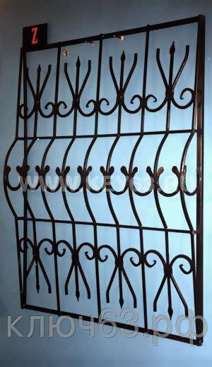 Стальные решетки Z изготовлены из металлического квадрата 12х12 мм с кованными элементами (возможно изготовление изквадрата 10х10 мм, 14х14 мм, 16х16 мм. Стальные решетки Z могут быть изготовлены плоскими, объемными, распашными. Различные виды объемов сверху, по середине и снизу. Стальные решетки Z устанавливаются в оконных проёмах административных и производственных зданий, офисных помещений, магазинов, жилых помещений. Установка осуществляется на арматуру 16 мм или высокопрочные анкерные болты. В случае установки в промежуточном сечении проёма, крепление осуществляется через специальные отверстия в каркасе (коробке), а при монтаже в одном уровне с оконным проёмом  через выносные пластины.