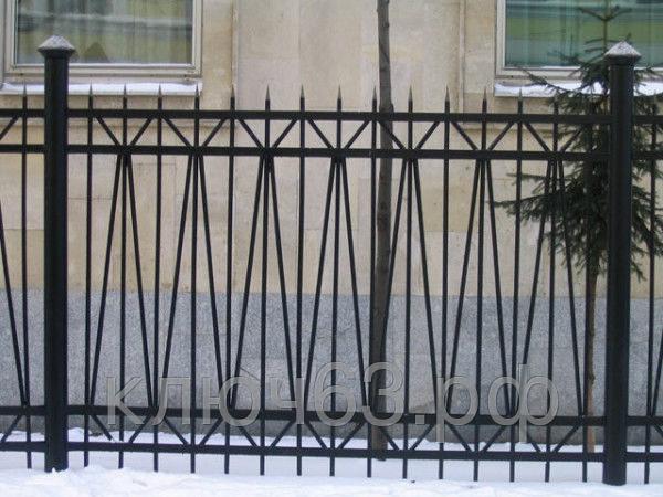 Забор из металлического квадрата
