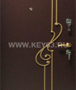 Кованная дверная декорация изготавливается по индивидуальным эскизам, окрашивается Авто-эмалью любых цветов, устанавливается с наружной стороны металлических (стальных) дверей.