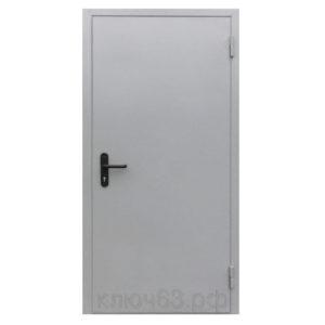 Противопожарная дверь ДПН-60 состоит из рамы и полотна. Рама изготавливается из стального листа, согнутого в сложный профиль, внутренняя полость профиля в районе притвора заполнена теплоизоляционным материалом. Рама является жесткой конструкцией и одновременно образует наличник. На раму с помощью петель на подшипниках навешивается полотно коробчатого типа. Внутренняя полость полотна заполнена теплоизоляционными материалами, уложенными в порядке и количестве, обеспечивающем заданный предел огнестойкости. Дверное полотно однопольной двери оборудовано замком-защелкой, обеспечивающим зацепление полотна с коробкой в районе вертикальной стойки коробки. По периметру дверной коробки устанавливается термоуплотнительная лента, заполняющая зазоры между полотном и коробкой в случае пожара. Дверь обладает звукоизоляционным свойством (до 35 Дб).Дверь ДПН-60 изготовлена на немецком оборудовании. Окраска эпоксидно-полиэфирной порошковой краской по стандарту RAL (цвет по желанию заказчика); стандартные используемые цвета RAL 7032, 7038, 7035 и др.