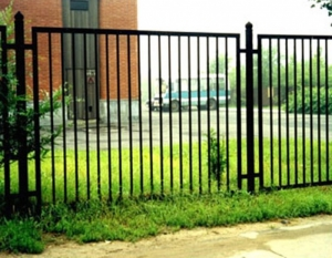 Забор черный